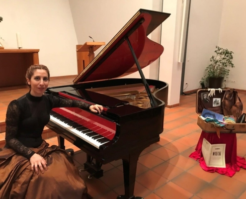 Pianist and teacher of the music school Lusine Khachatryan